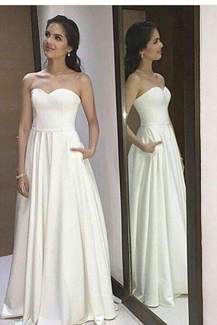 Ivory Strapless Sweetheart A-line Floor-Length Wedding Dress with Pockets